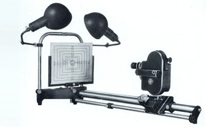 Bolex Super Titling Bench with H16 camera attached